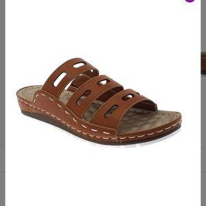 NIB-Pierre Dumas Tan Cutout Strap Sandal